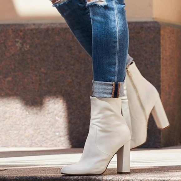 3cdf96df684 Steve Madden Editor 10 White Leather Ankle NEW